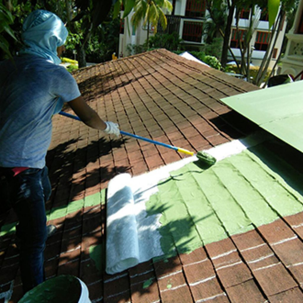 Waterproofing the roof using green membrane.